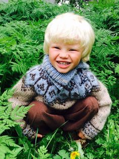 Boys wool sweater lopapeysa chunky knitted by AstridaDesign