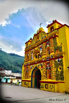 San Andres Xecul Church, Totonicapan. Photo by Alberto Bolaños l Only the best of Guatemala