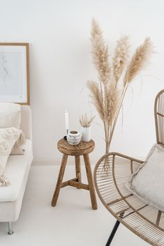 Home Interior Grey 6 Fabulous ways to style reed in your autumn themed home - Daily Dream Decor.Home Interior Grey 6 Fabulous ways to style reed in your autumn themed home - Daily Dream Decor Home Interior, Interior Design, Living Room Decor, Bedroom Decor, Dining Room, Grass Decor, Style Deco, Dream Decor, My New Room