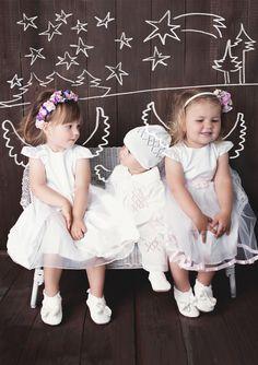 Taufkleidung: elegante Taufkleider oder Taufanzug im Ajour-Muster gestrickt. Süße Taufbekleidung für Babys und Kleinkinder, welche zu festlichen Anlässen nicht fehlen darf. Taufkleid | HOBEA-Germany | gestrickt | Mädchen | Jungen | HOBEA | weiß | festliche Mode | Kindermode | Weihnachten | Winter