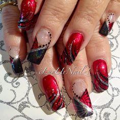 Ongles décorés avec des paillettes argentées (rouge et noir)