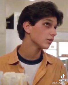 Daniel Karate Kid, The Karate Kid 1984, Karate Kid Movie, Karate Kid Cobra Kai, Cute Country Boys, Cute Boys, Beautiful Boys, Pretty Boys, Benny The Jet Rodriguez