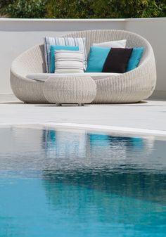 Prendiamo un po' di sole in piscina?
