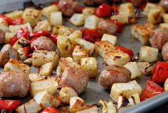 Roasted potatoes, onions, sausage and peppers roast in the oven with a drizzle of extra virgin olive oil and rosemary. Don't you love a meal that only dirties one pan?  Roasted Potatoes, Chicken Sausage and Peppers | Skinnytaste