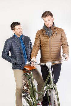 Abrigo con botón en cuello en color azul marino de Talenti Jeans Tienda online