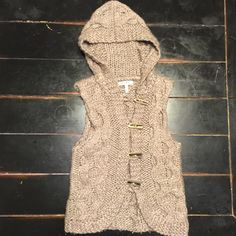 Cable-knit Hooded Vest Great to wear with your basic layers. Button and loop closure. Price is firm unless bundled. Cozy S&S Casual Jackets & Coats Vests