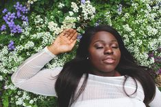 10 Natural Ways to Cure Insomnia and Heal the Crown Chakra — Mindful Health Relaxed Hair, Black Girls, Black Women, How To Be Single, Mental Health Awareness Month, Sensitive People, Highly Sensitive, Healthy Living Quotes, Looks Black