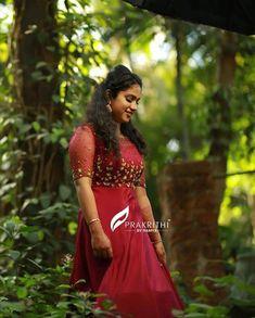 Bridal Gowns, Wedding Gowns, Kalamkari Dresses, Long Dress Design, Frock Dress, Designer Gowns, Churidar, Looking Gorgeous, Pretty Woman
