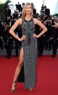 Karlie Kloss en robe Louis Vuitton