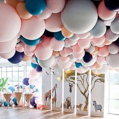 Loved helping out with this one!  @styled_by_coco @mylittlecompanyphotography @belleballoons @greenfieldsalbertpark @sweetbakes_ @aschajolie #babygirl #balloons #belleballoons #balloonart #greenfields #jungle #safari #kidsbirthdayparty #weddingpaperchic #design #graphicdesign #melbourne #style #eventstylingmelbourne #mylittlecompanyphotography
