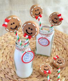 Ho Ho #oreo! Gingerbread Man Oreo Pops via @Laura Jayson's Bakery
