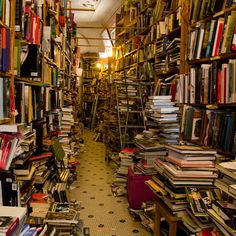 Best Bookstore in Chicago in Which to Trap Your Claustrophobic Friends - Bookmen's Corner Beautiful Library, Book Cafe, Chicago Travel, My Kind Of Town, Most Beautiful Cities, Amazing Places, Book Aesthetic, Book Nooks, Library Books