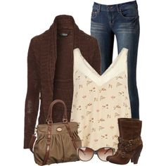Chunky Brown sweater & cute boots