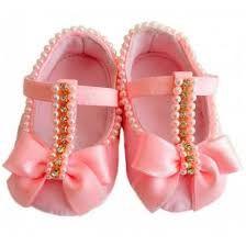 Resultado de imagem para sapatinho de bebe com perola rosa