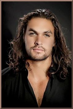 Jason Momoa is one of THE biggest guys I have ever seen. Jason Momoa Aquaman, Haircut Names For Men, Haircuts For Men, Gorgeous Men, Beautiful People, Prince Charmant, Famous Men, Good Looking Men, Hot Guys