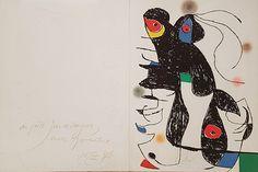 """Joan Miró """"Paroles Peintes V"""" Grabado al Aguafuerte y Aguatinta (con pliego dedicado a mano) Año: 1975 Dimensiones Grabado: 38.2 x 28.5 cm Dimensiones Pliego completo: 38.2 x 56.8 cm Tirada de 75 ejemplares Firmado a mano y dedicado al poeta Yves de Bayser en el año 78 Dupin 827 Precio: Consultar Web  Web: www.grabadosylitografias.com Más información: galeria@grabadosylitografias.com"""