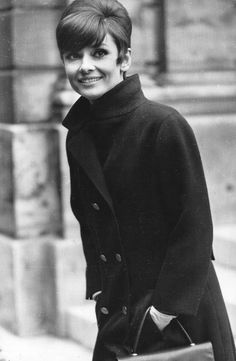 Audrey Hepburn - my style icon! Audrey Hepburn Mode, Audrey Hepburn Photos, Golden Age Of Hollywood, Old Hollywood, Hollywood Glamour, Classic Hollywood, Moon River, Divas, Givenchy