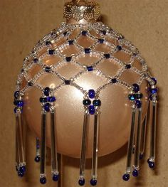 Resultado de imagem para Free Christmas Beaded Ornament Cover Patterns