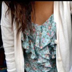 Heather Burns, Country Charm, Floral Tops, Women, Fashion, Moda, Women's, La Mode, Fasion