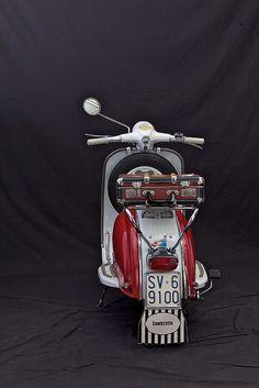 Lambert a 125 Li by Enrico Testa Vespa Et4, Piaggio Vespa, Lambretta Scooter, Vespa Scooters, Scooter Bike, Cool Bicycles, Cool Bikes, Triumph Motorcycles, Vespas