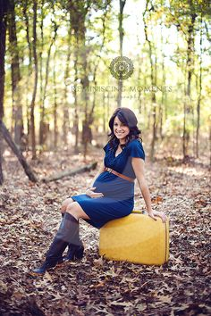 apparently I love blue and yellow. great prop, great dress, great setting