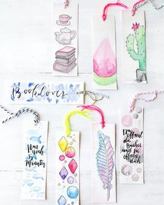 With watercolor paint, water and good paper can be quickly watercolor bookmarks create. Then into dancing a hole through pull yarn - that are the DIY watercolor bookmarks. Creative Bookmarks, Diy Bookmarks, Bookmark Ideas, Homemade Bookmarks, Bookmark Craft, Crochet Bookmarks, Creative Crafts, Pot Mason Diy, Mason Jar Crafts
