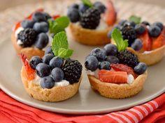 Tacitas de Galletas con Yogur y Frutos del Bosque - QueRicaVida.com