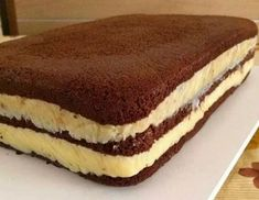 RS Notícias: Chocolate Sponge Cake with Brigadeiro Filling … - Modern Food Cakes, Cupcake Cakes, Pie Recipes, Sweet Recipes, Dessert Recipes, Chocolate Sponge Cake, Love Cake, Cookies Et Biscuits, Chocolate Recipes