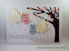Enfeite de porta de maternidade para gêmeos - com tsurus de origami, trouxinhas e flores de sakura - Sakura Origami Ateliê