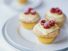 Vanilla Cupcakes with Lemon Cream and Raspberries Recipe on Food & Wine. These sweet little cupcakes have a delicious jam filling made with fresh raspberries. Picnic Desserts, Just Desserts, Dessert Recipes, Easter Desserts, Cupcake Recipes, Spring Desserts, Picnic Recipes, Lemon Desserts, Easter Treats