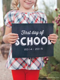 Tips for making school photos fun PLUS free printable back to school signs.