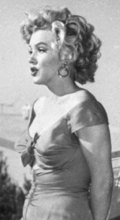 Marylin Monroe, Marilyn Monroe Diamonds, Marilyn Monroe Photos, The Most Beautiful Girl, Young And Beautiful, Dolly Parton Playboy, Norma Jeane, Beauty Queens, Merlin