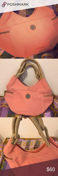 UGG Pink Hobo Purse So pretty! Great for Spring! In great condition. Has one small stain in the inside and in the bottom barely visible as seen in last photos. Save 15 percent on the purchase of three items or more. Open to offers ! Offer bundle discounts as well. Bags Hobos