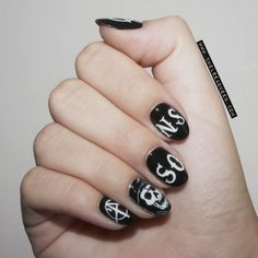 Sons of Anarchy Nails www.chelseaqueen.com