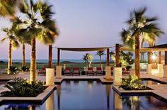 Pool im 5* St. Regis Saadiyat Island Resort