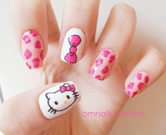 30 Cute Hello Kitty Manicure Ideas -