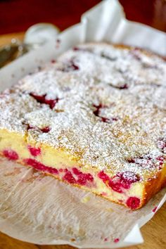 Fruit Coffee Cake(Pandispan cu fructe) is a Romanian summer recipe that uses fruits that are in season like sour cherries, raspberry, strawberry etc. Great for snacks and Sunday afternoons. Easy Desserts, Delicious Desserts, Dessert Recipes, Yummy Food, Healthy Food, Raspberry Recipes, Cherry Recipes, Romanian Desserts, Romanian Recipes