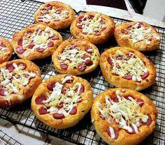 Roti Pizza Mini empuk lezatt :p
