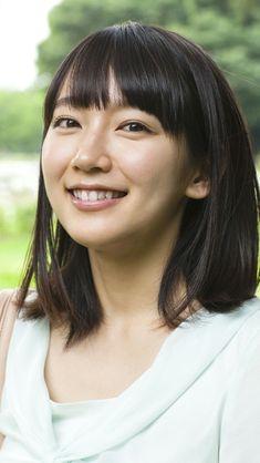 吉岡里帆の画像 - 原寸画像検索 Japanese Beauty, Asian Beauty, Beautiful Person, Beautiful Women, Cool Face, Actors & Actresses, Poses, Cute, People