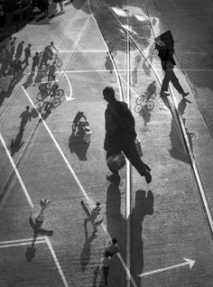 Fan Ho Of Big and Small New Work ::  http://www.modernbook.com/fanho/new-work/images.htm