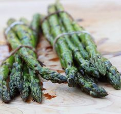 Grilled garlic asparagus drizzled with balsamic vinegar