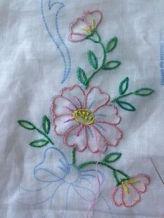 Border Embroidery Designs, Floral Embroidery Patterns, Embroidery On Clothes, Embroidery Flowers Pattern, Beaded Embroidery, Machine Embroidery Designs, Embroidery Stitches, Embroidery Techniques, Bunt