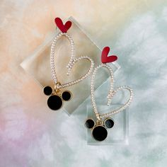 Magic kingdom disney earrings for disneyworld and disneyland. Mickey mouse heart earrings, disney jewelry. Disney Earrings, Disney Jewelry, Cute Earrings, Heart Earrings, Drop Earrings, Disneybound, Disney Mickey Mouse, Party Themes, Whimsical