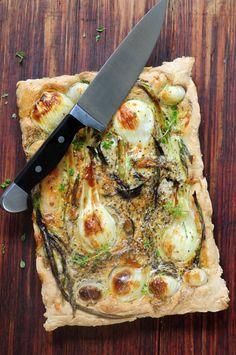 italiensk bondepizza med sommerløg - kirsten skaarup