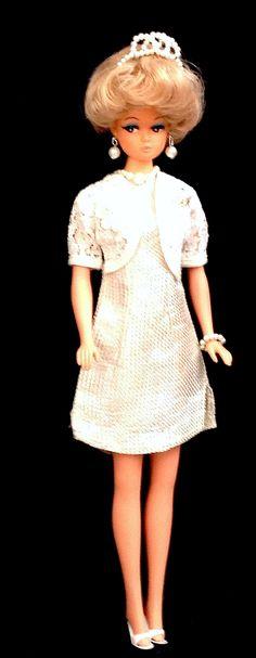 https://flic.kr/p/G4mzJf | Petra von Plasty mit Model 14  London 1965