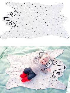 bear rug blanket - DIY idea - hand painted with fabric paint Bear Blanket, Bear Rug, Baby Kind, Baby Love, Boy Room, Kids Room, Diy Pour Enfants, My Bebe, Everything Baby