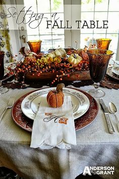 Thanksgiving table, love the centerpiece, need to start making a list of things to make taht !