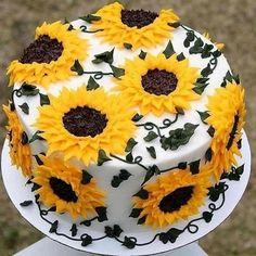 Sunflower Birthday Parties, Sunflower Party, Sunflower Cakes, Sunflower Baby Showers, Sunflower Wedding Cupcakes, Sunflower Decorations, Sunflower Weddings, Cake Decorations, Pretty Cakes