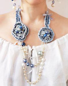 Lujo estilo.Denim collar de flores perla por TheMireyBoutique