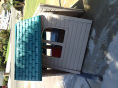 Here's how to fix up and give new life to and old little Tikes playhouse!'